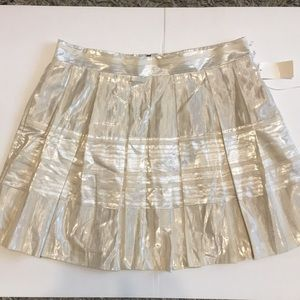 Cream and Silver Mini  Skirt Sz L WITH POCKETS !!